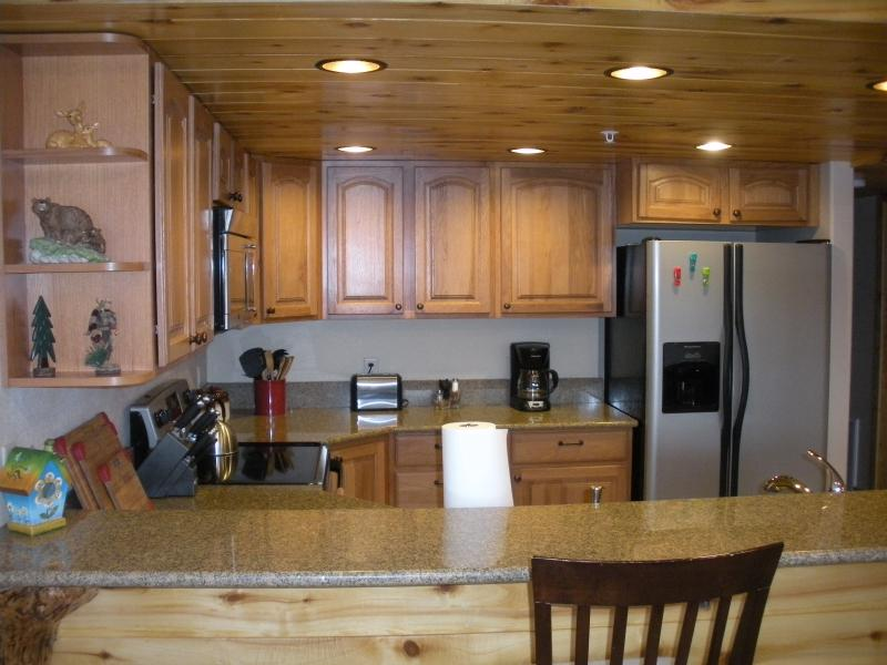 Fully Equipped kitchen with all appliances and cookware!