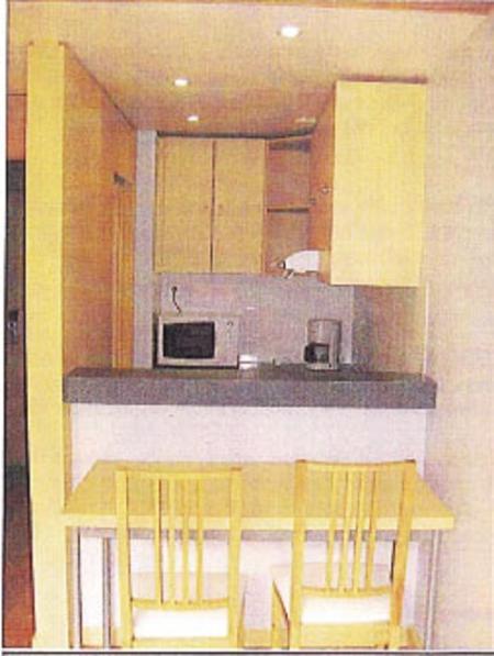 Banco colazione e angolo cucina