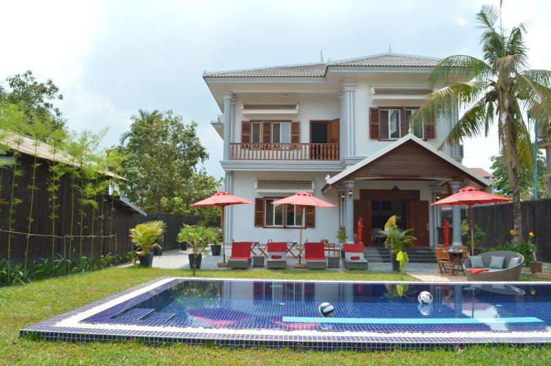Villa b. Angkor Maison 300m2 avec piscine, Ferienwohnung in Siem Reap