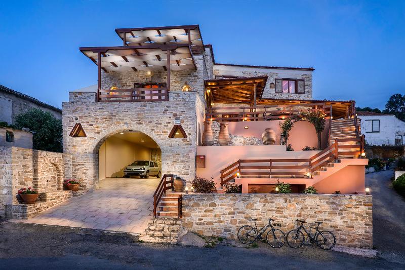 Perion Eco Villa, holiday rental in Zaros
