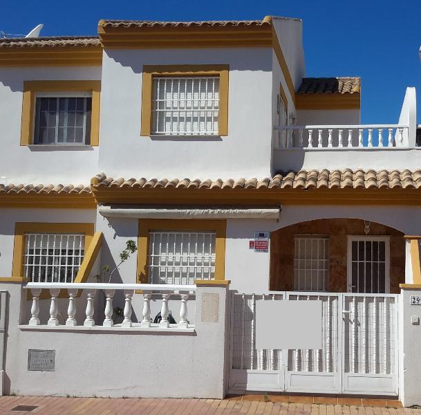 3 BED 2 BATH HOUSE WITH VEIWS OVER NATURE PARK (6), alquiler de vacaciones en San Pedro del Pinatar