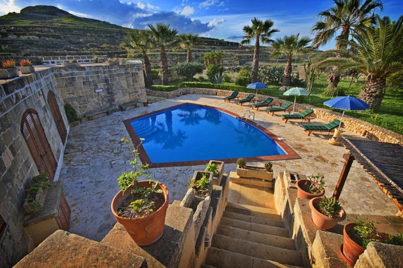 Farmhouse Lara - Private Pool - Gozo Accommodation, alquiler vacacional en Ghasri