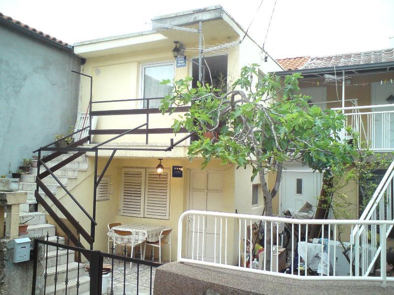 Studio Apartment *** for rent, location de vacances à Jadranovo