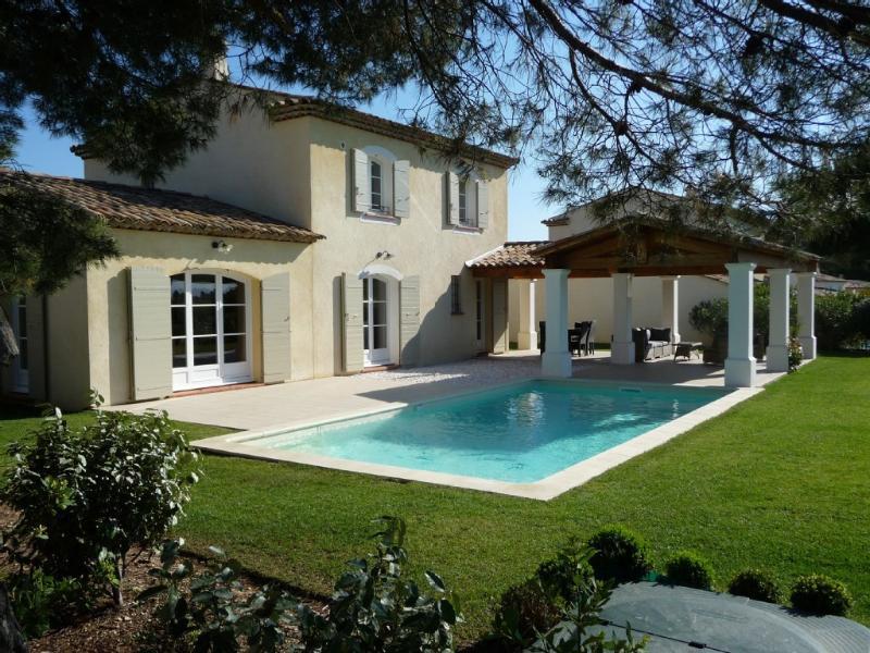 Magnifique villa TOUT CONFORT et TOUS SERVICES AVEC VUE IMPRENABLE et CALME ABSOLU IDÉAL REPOS