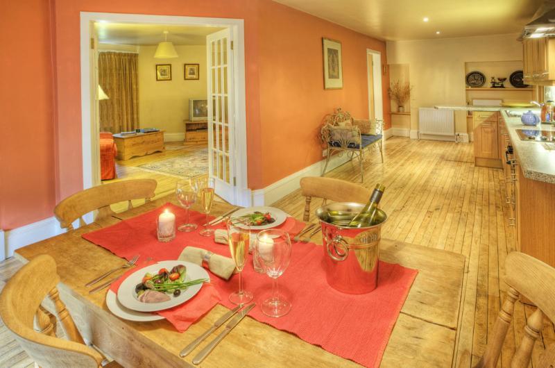 The West Lawn Country House hideaway  just for 2, location de vacances à Ettrick