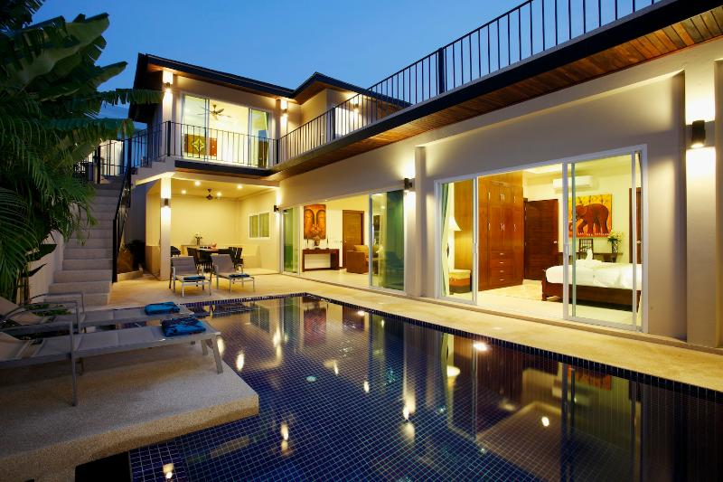 5/6 bedroom Topaz Villa with private pool, 1km from Nai Harn Beach