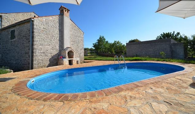 STONE HOUSE 'MAESTRAL', holiday rental in Bratulici