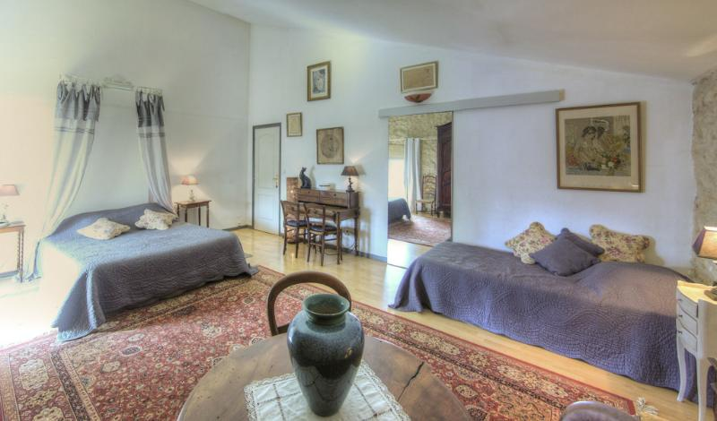 Chambre Syrah pour 3 personnes, vacation rental in Narbonne