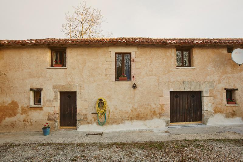 La Grange, casa vacanza a Montmoreau-Saint-Cybard