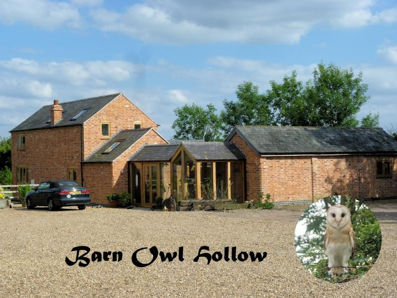 Barn Owl Hollow, luxury bedroom with en-suite.