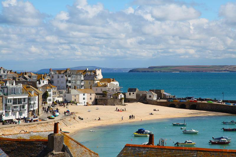 Admiral St Ives: 3 bed garden cottage, central, fab sea views, Oct 16/30, 50%off, vacation rental in St Ives