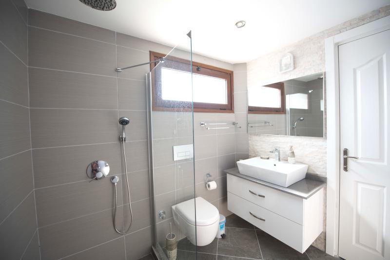 separate family shower room