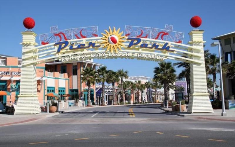 One mile from Pier Park...Dining, Shopping & Entertainment