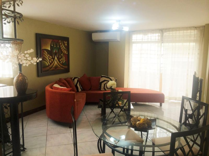 Vacation Downtown Apartment Rental, casa vacanza a Guayaquil