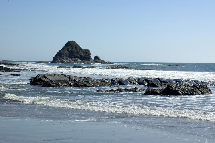 Anchor Bay Beach es menos de 1/2 milla de cabaña 5