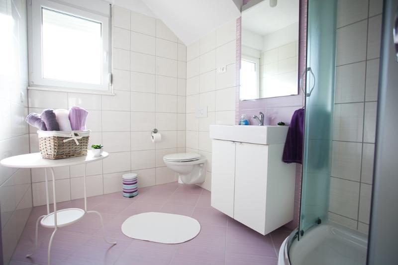 Violet bathroom