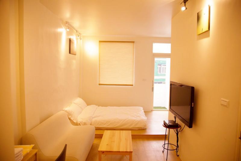 Loft Hostel-Room 2A (宜蘭羅東夜市樂福民宿-雙人套房2A), Ferienwohnung in Luodong