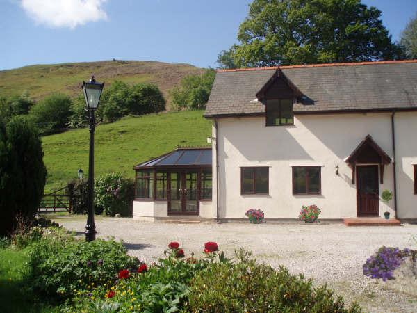Hendy Isa Luxury Holiday Cottage 5 star North Wales