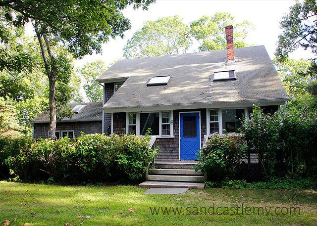 SPACIOUS AND COMFORTABLE CHILMARK CAPE WITH CENTRAL AIR CONDITIONING – semesterbostad i Aquinnah