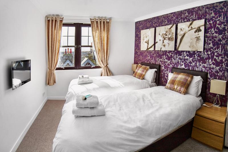 Thistle Apartments - Rose Apartment Has Housekeeping ...