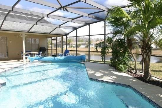 3512PC. Orlando 4 Bedroom Home With Private Pool Overlooking The Lake, vacation rental in Orlando