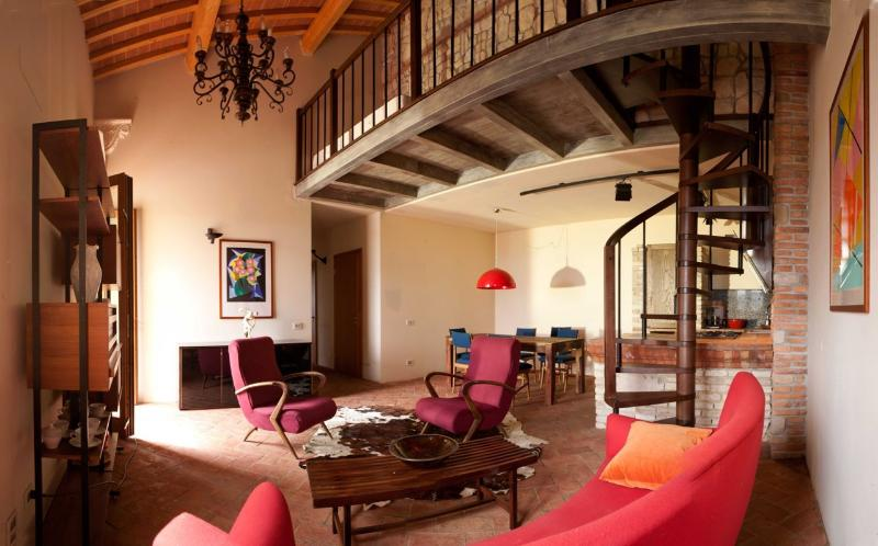 TUSCANY FOREVER RESIDENCE VILLA FAMIGLIA No.7, holiday rental in Volterra