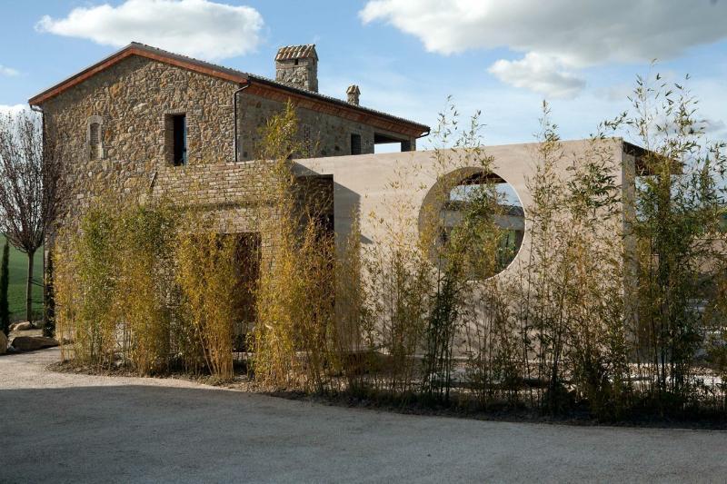 TUSCANY FOREVER RESIDENCE 4 SWIMMINIG POOLS , tennis court &restaurant