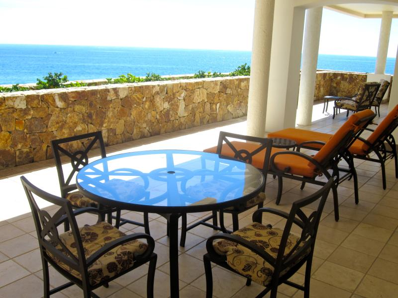 Balcony table with Pacific Ocean beyond