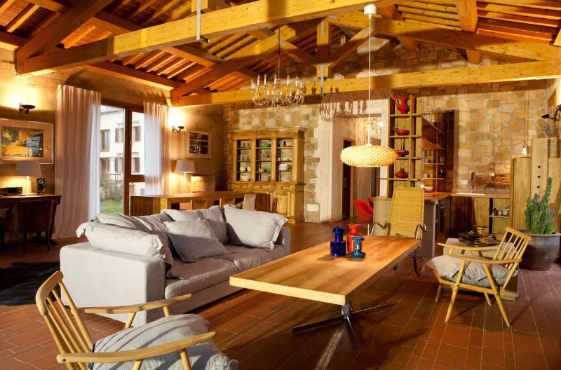 TUSCANY FOREVER RESIDENCE VILLA FELICITA/ 1, casa vacanza a Saline di Volterra
