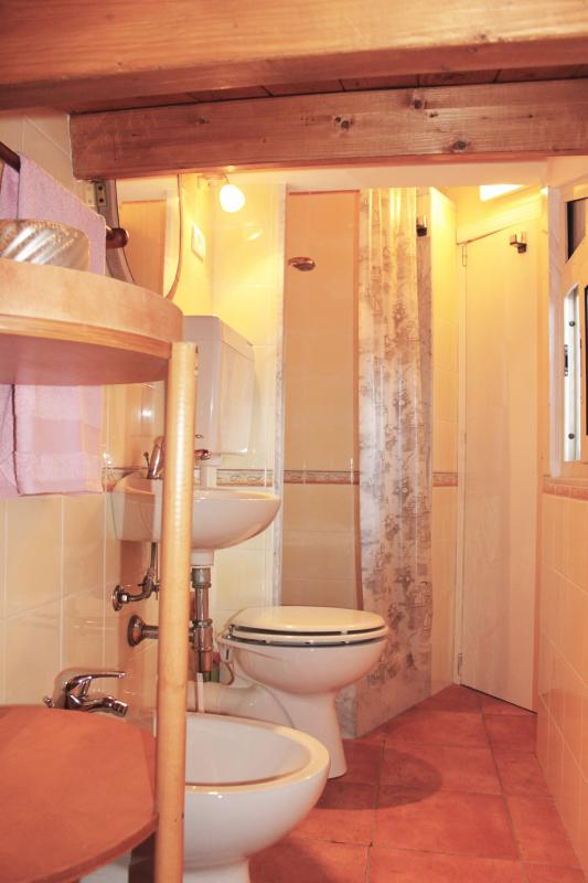 w.c. with shower and bidet