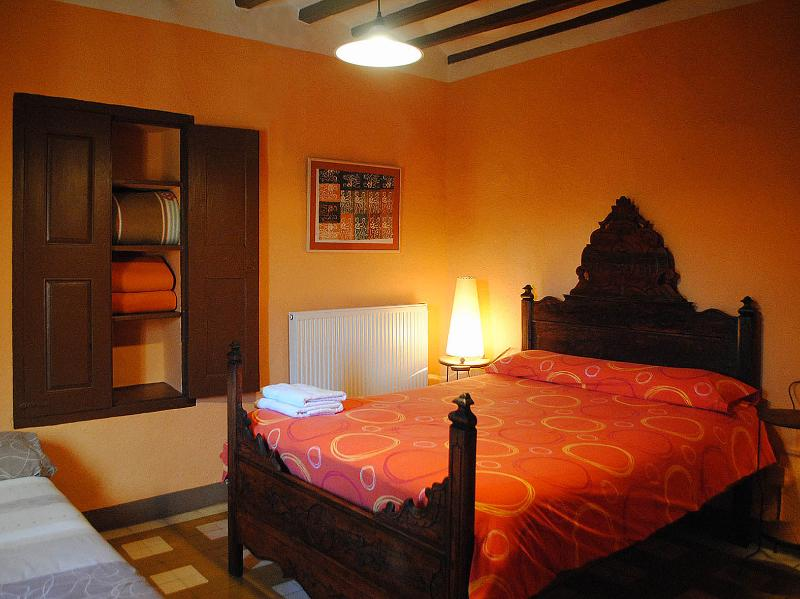 with double bed and bath room exclusive use outside the room