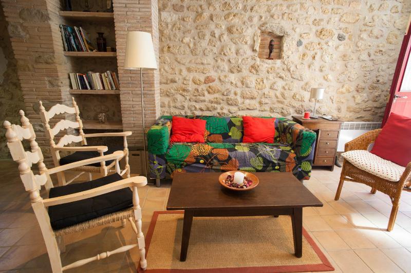 Casa Vermella, Ca la Maria d'Orriols, holiday rental in Pontos