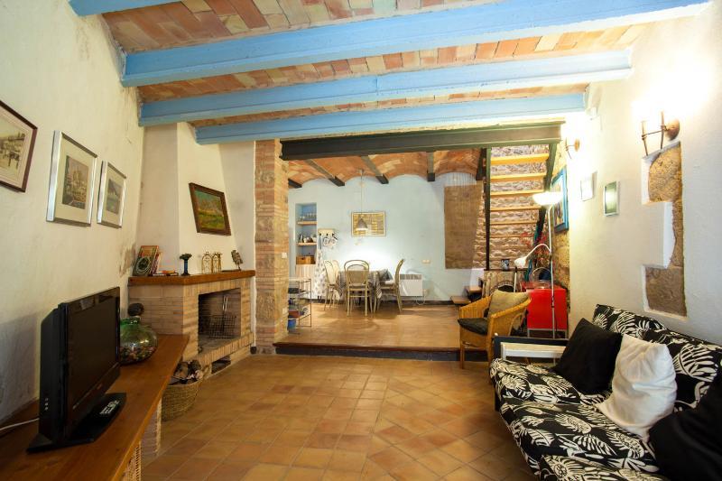 Casa Blava, Ca la Maria d'Orriols, aluguéis de temporada em Centenys