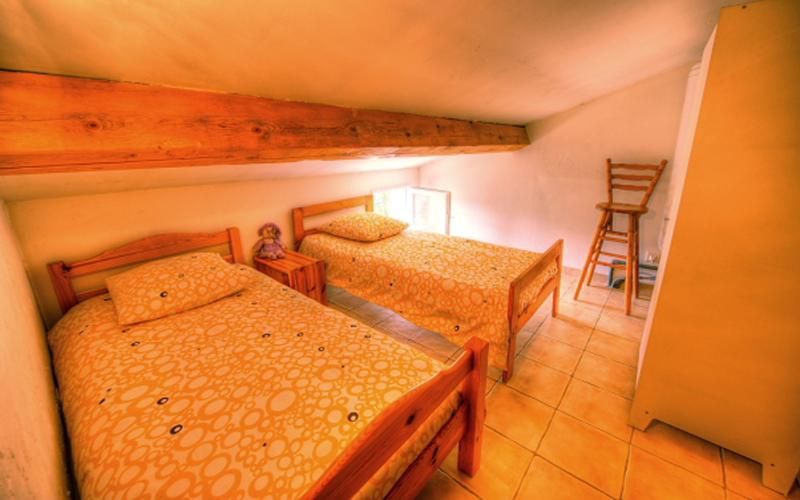 Le gîte Asie pour 4 personnes, holiday rental in Neoules