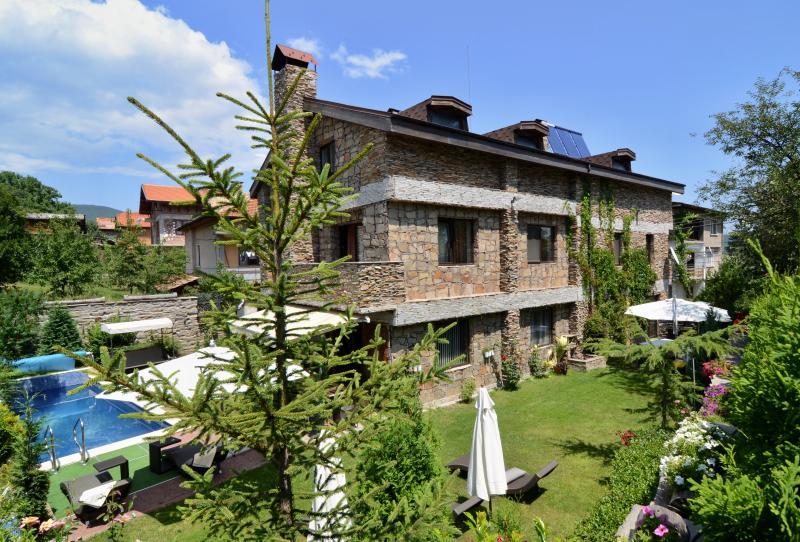 Villa Vuchev  is an elegant villa in Velingrad, holiday rental in Batak
