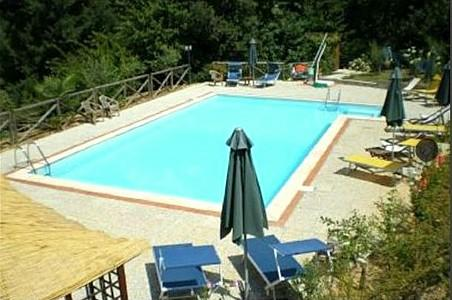 Lappato Villa Sleeps 7 with Pool and WiFi - 5229236, holiday rental in Malocchio