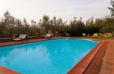 Rinecchi Villa Sleeps 7 with Pool Air Con and WiFi - 5229293, vacation rental in Mezzana