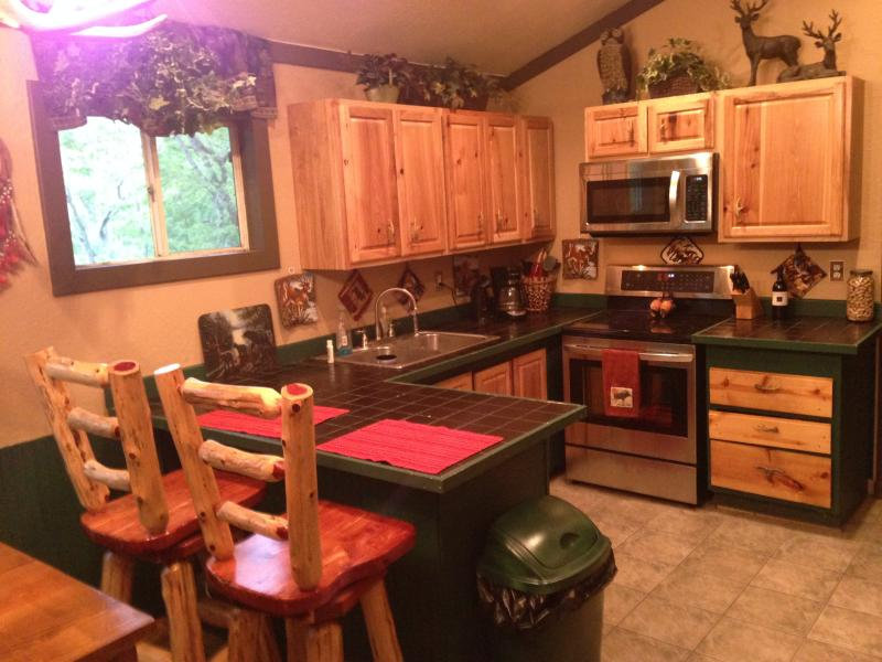 Welcome to Clay Cabin!!!, vacation rental in Camdenton