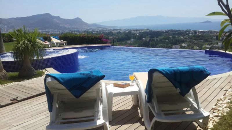 Villa Blue Sky, holiday rental in Kadikale