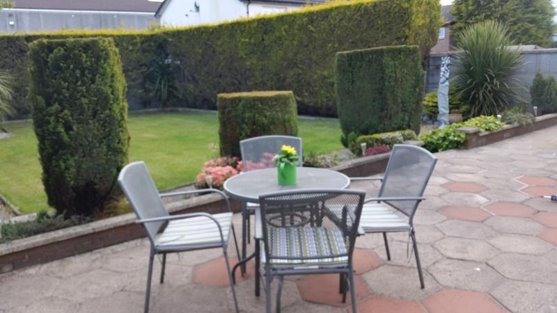 Lovely private enclosed garden, perfect for relaxing after a day (or night!) in the city.