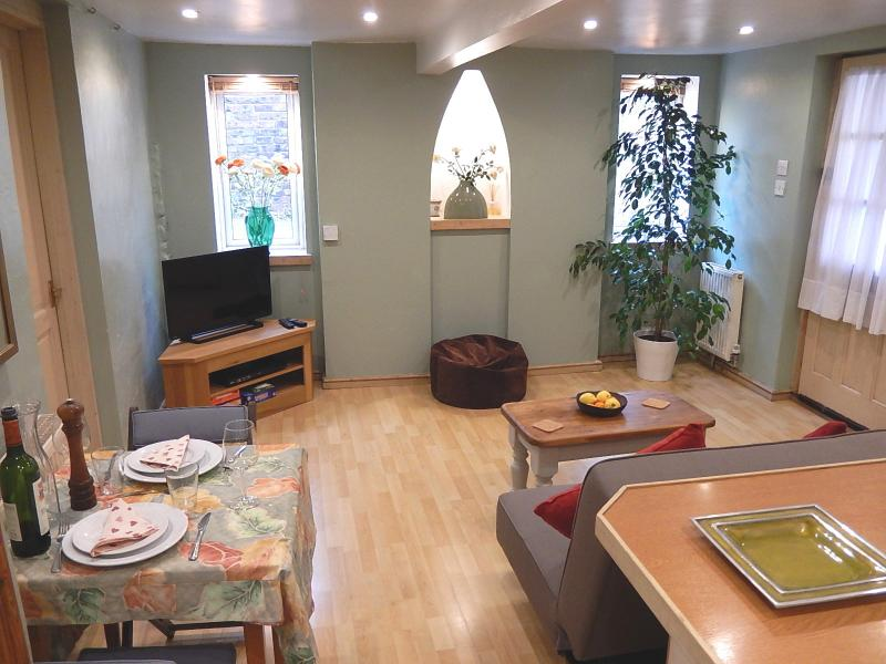 Cosy, Central Patio Flat, location de vacances à Brighton and Hove