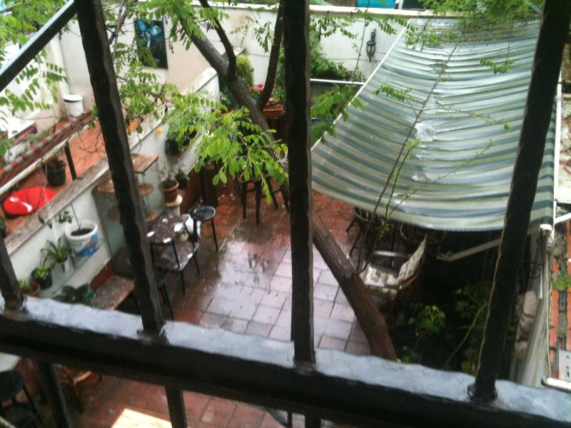 Vista da varanda traseira da Galeria de arte abaixo