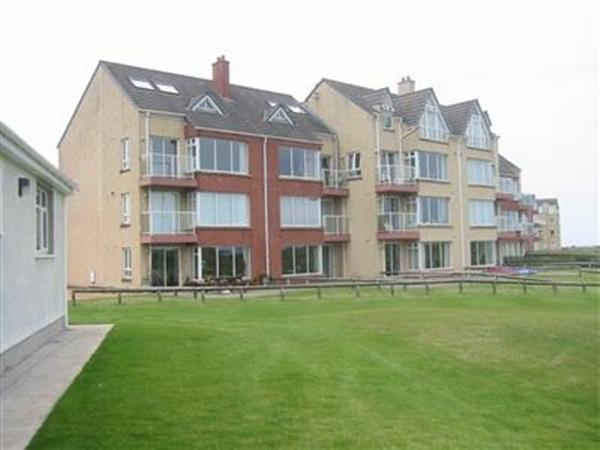 Lovely Ground Floor Fully Fitted Apartment, holiday rental in County Antrim