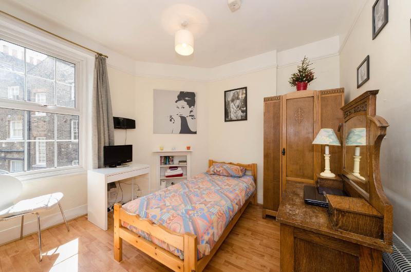 Stylish and cosy single room