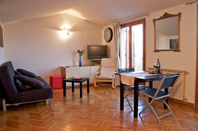 Appartamento con vista sul Chianti, vacation rental in Barberino Val d'Elsa