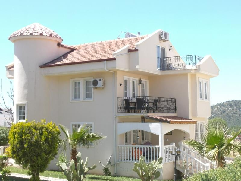 Magnolia D2 Ovacik beautiful 3 bedroomed apartment in a fabulous location with stunning views.