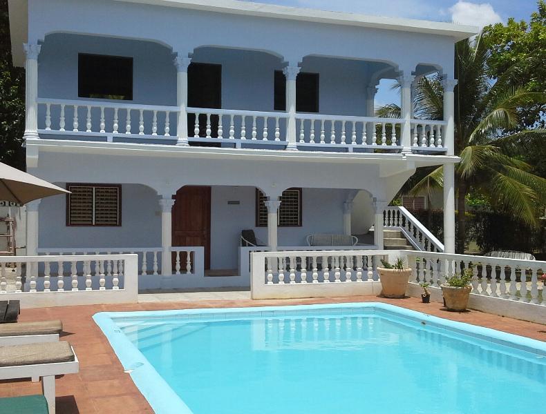 Pimento Studio Apartment with pool. Ocho Rios, holiday rental in Ocho Rios
