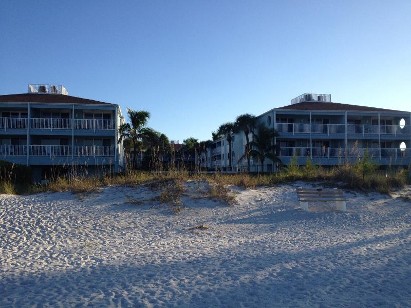 Tiffany Place - Gulf Front Complex, holiday rental in Holmes Beach