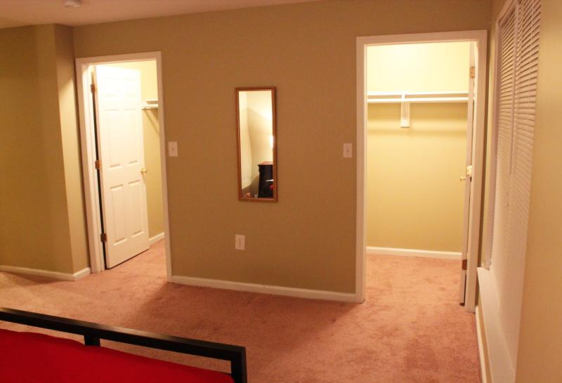 Two walking closet in the bed room