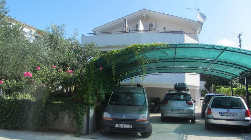 Ante A1(4) - Sveti Filip i Jakov, vacation rental in Sveti Filip i Jakov